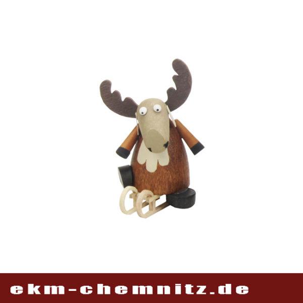 Nicht nur Kinder fahren gerne Schlitten. Der Elch mit seinem Schlitten bereitet vielen Freude als Sammelfigur.