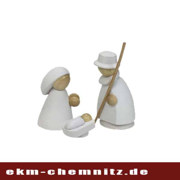 Die wichtigsten Akteure im Krippenspiel ist die Heilige Familie. Von Hand gedrechstelt als Sammlerfiguren klein in natur/weiß filigran anzusehen.
