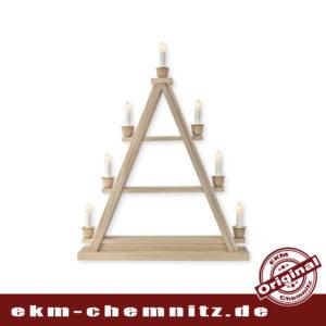 Die klassische Dreieck Lichterspitze mit 7 Kerzen, eine schöne alternative zum Schwibbogen. Das Dreieck ist zum selberbestücken, auf 3 unterschiedlich breiten Etagen können Sie Ihre Weihnachtsfiguren aufstellen.