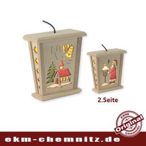 Mit unserer Weihnachtslaterne Erzgebirge, bringen sie Gemütlichkeit in ihren Wohnraum. Ob zum Hängen oder Stellen, beides ist möglich. Jederzeit können sie mehrere LED Laternen in Reihe betreiben, das Verteilerkabel ist inkl.