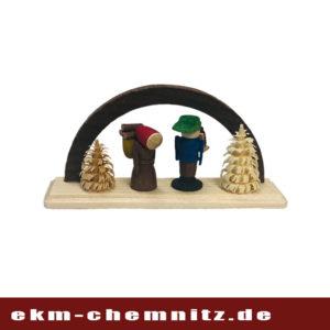 Waldleute nehmen platz unter diesem Miniatur Schwibbogen.
