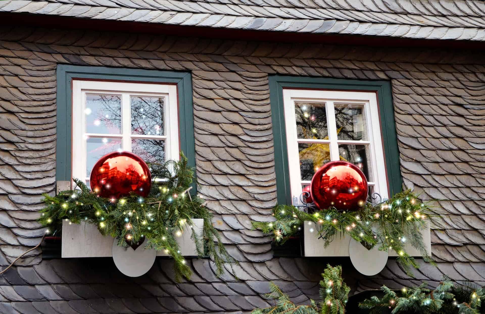 Weihnachten in Deutschland - Deko im Fester